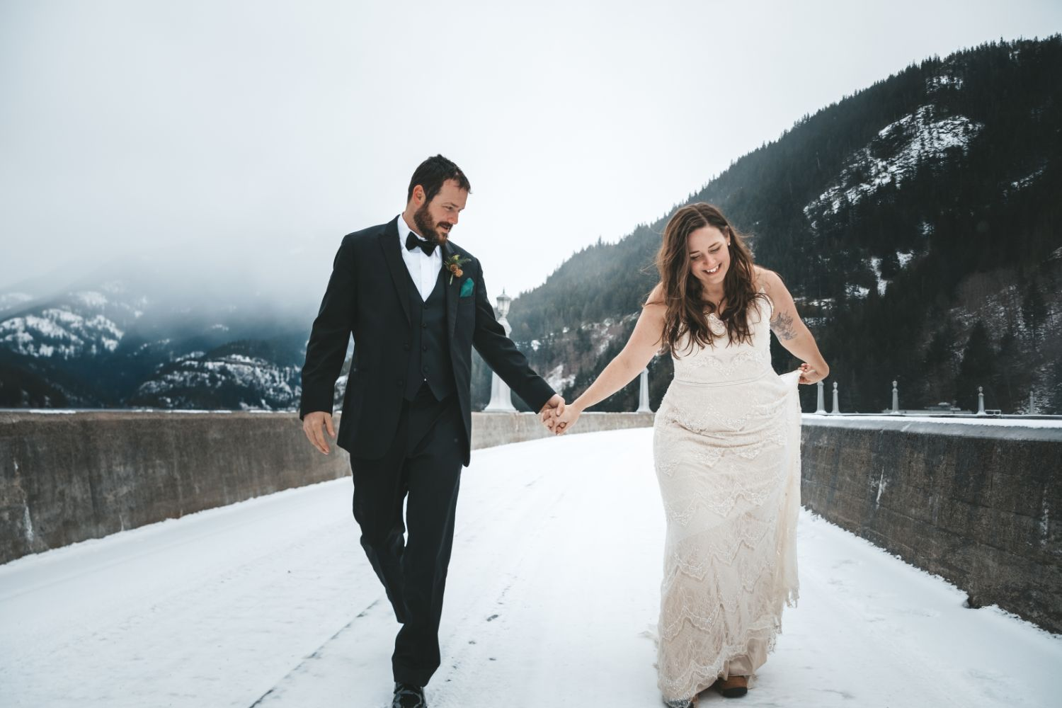 bride-groom-walk-snowy-mountains-north-cascades