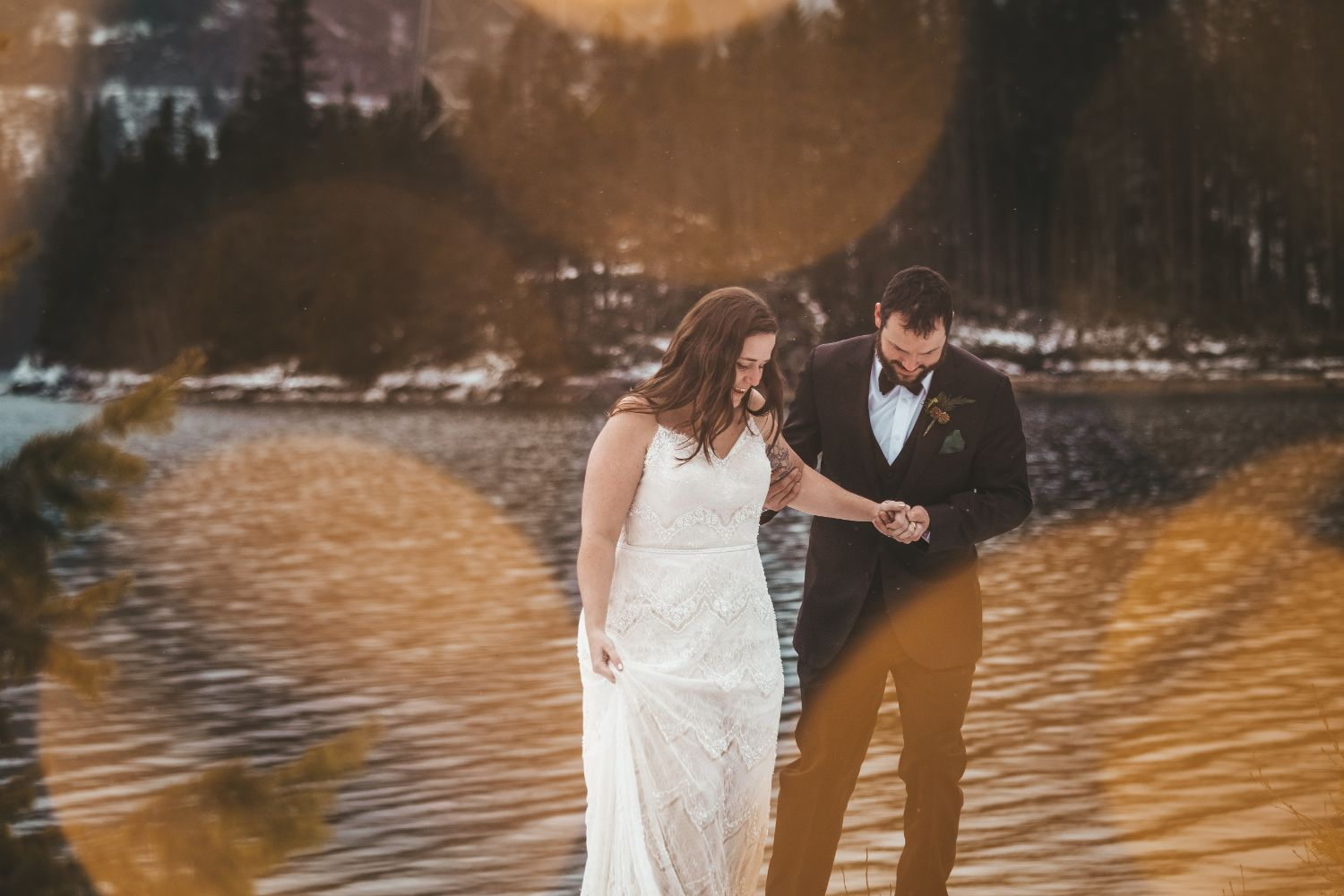 winter-elopement-twinkle-lights-north-cascades