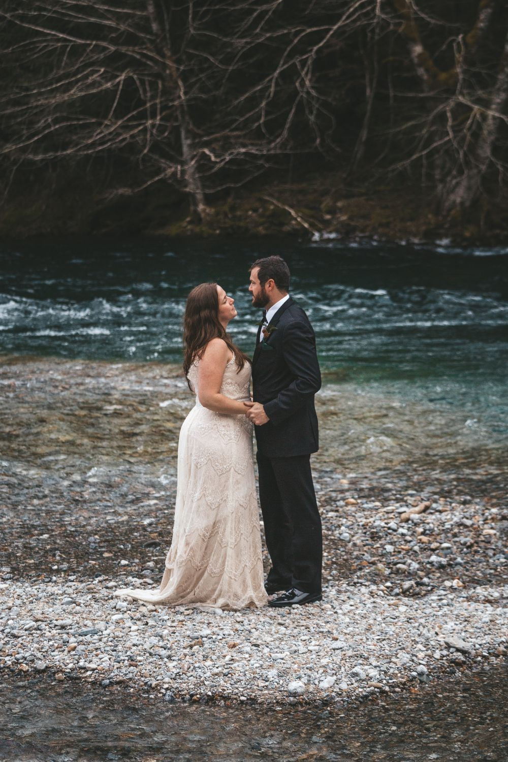 couple-winter-elopement-washington
