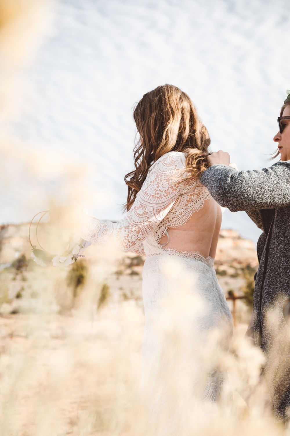 bride-getting-ready-Utah-desert