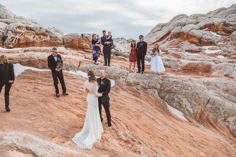 couple-first-look-Utah-desert