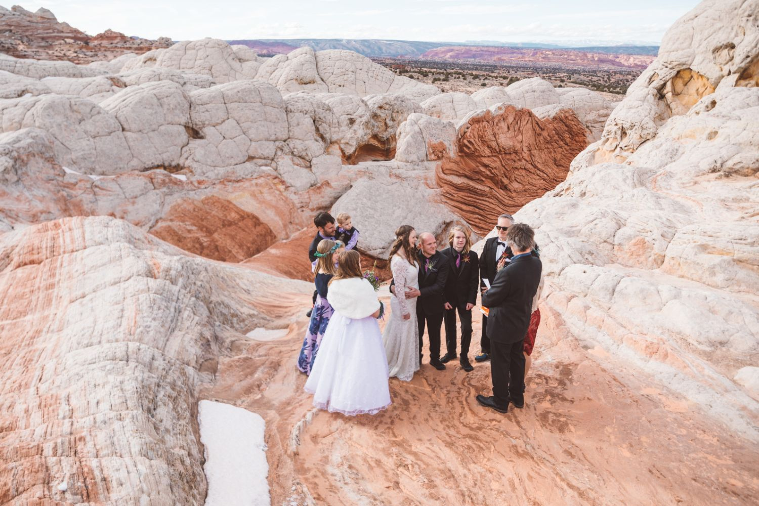 bridal-party-utah-desert-elopement
