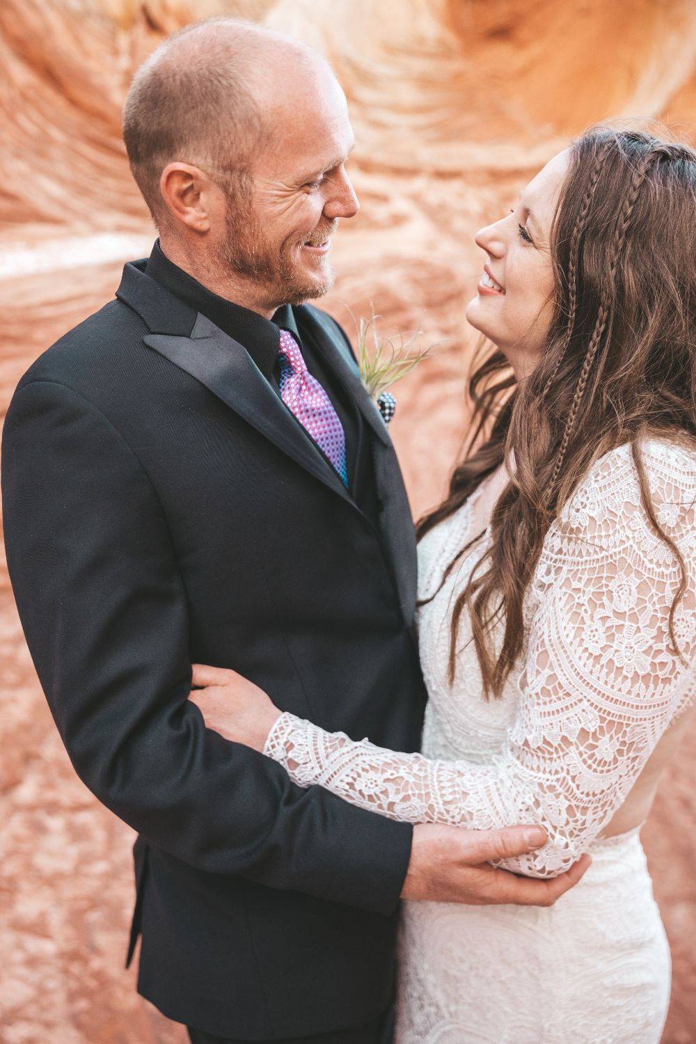 couple-smiles-utah-wedding
