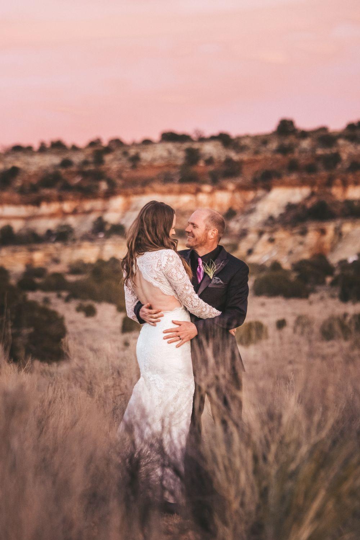 bride-groom-desert-sunset