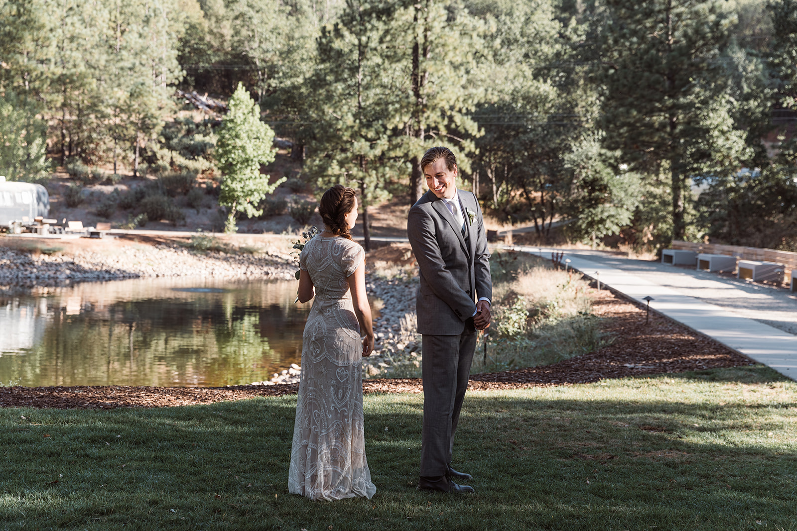 first-look-yosemite-wedding
