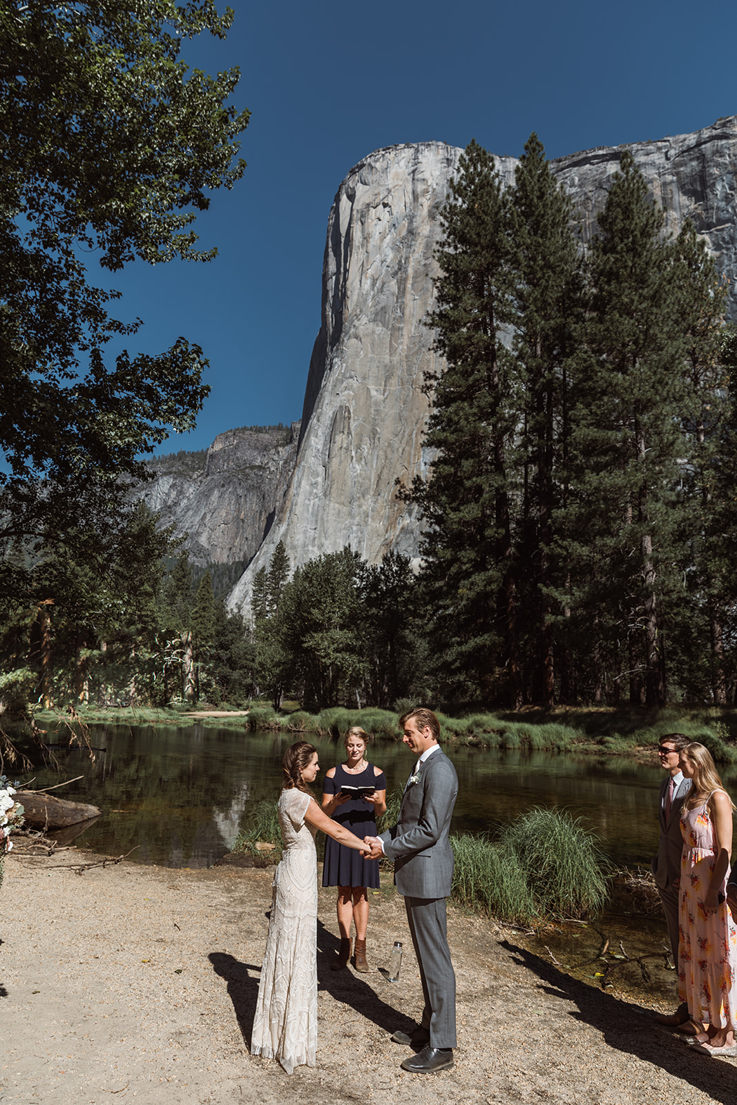 couple-in-front-of-el-capitan