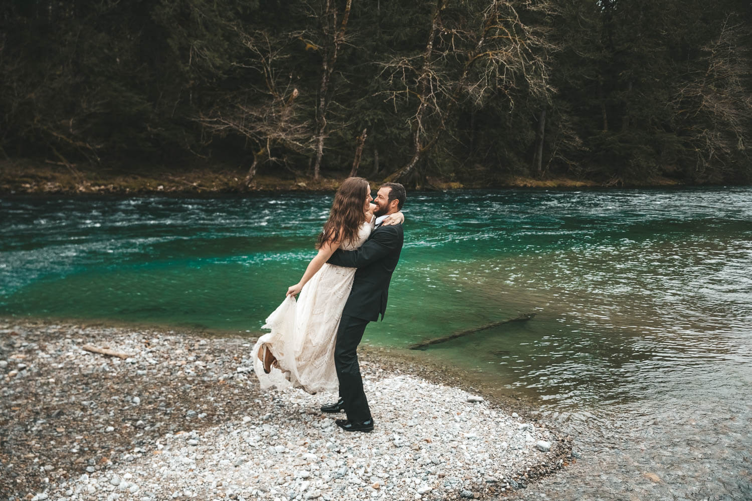 experience your wedding day - If tall trees, lush forests, and grand waterfalls call your name consider getting hitched in a forest! Oregon has some of the best, but so does New England. As the trees tower over you, let nature restore your energy.