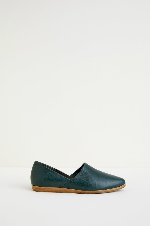 Minimalist Flats $295