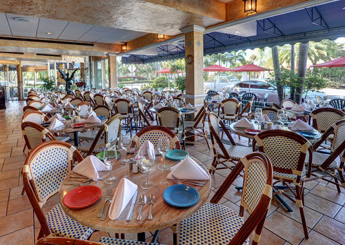 14-Columbia-Sarasota-patio-dining-room-with-sidewalk-4.jpg