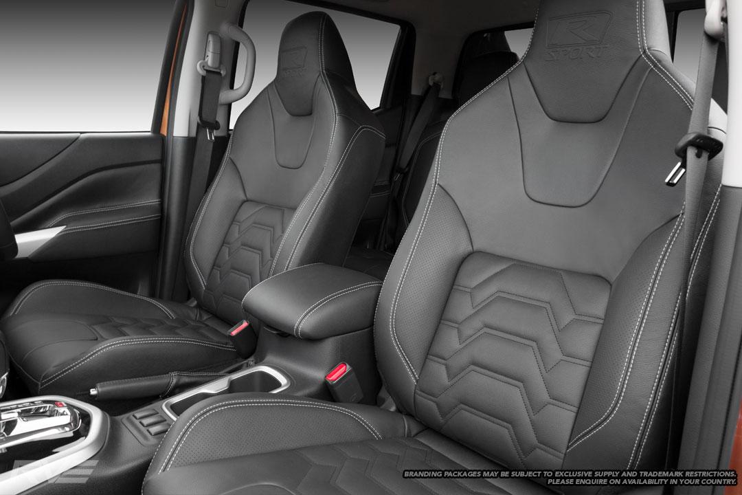 Nissan-Navara-R-Sport-Interior-1.jpg