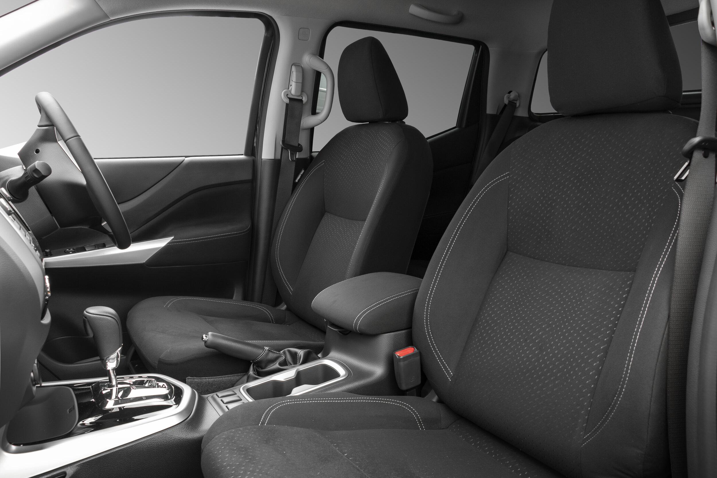 SLIDER-IMAGE-RVE-Nissan-Navara-Standard-Factory-Cloth-Interior.jpg