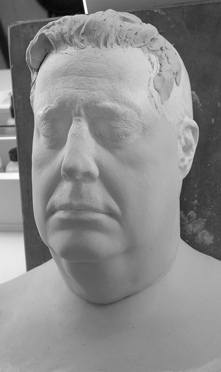Gleason Sculpture BW 02a 5-28-02.jpg
