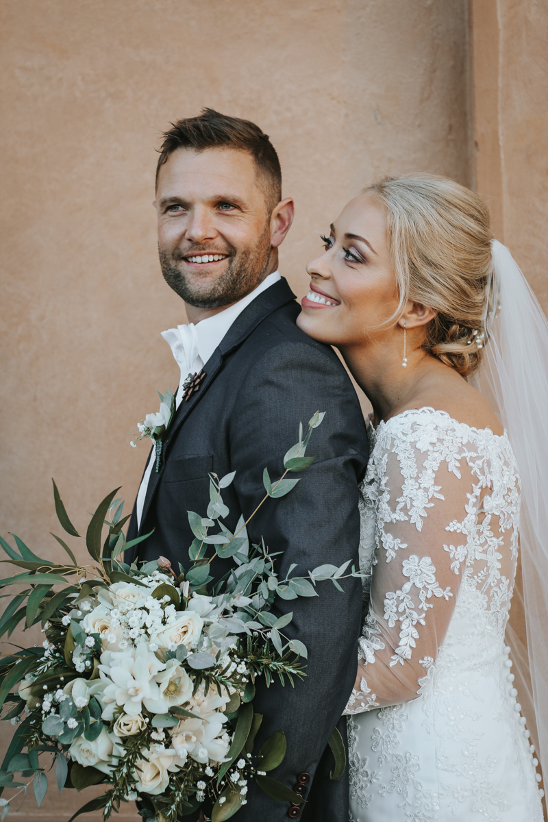 Wedding Flowers - Beautiful and bespoke flowers for your wedding day. Whether your style is classic chic or you prefer a modern twist, Bloom Art will create stunning wedding flowers for your special day.