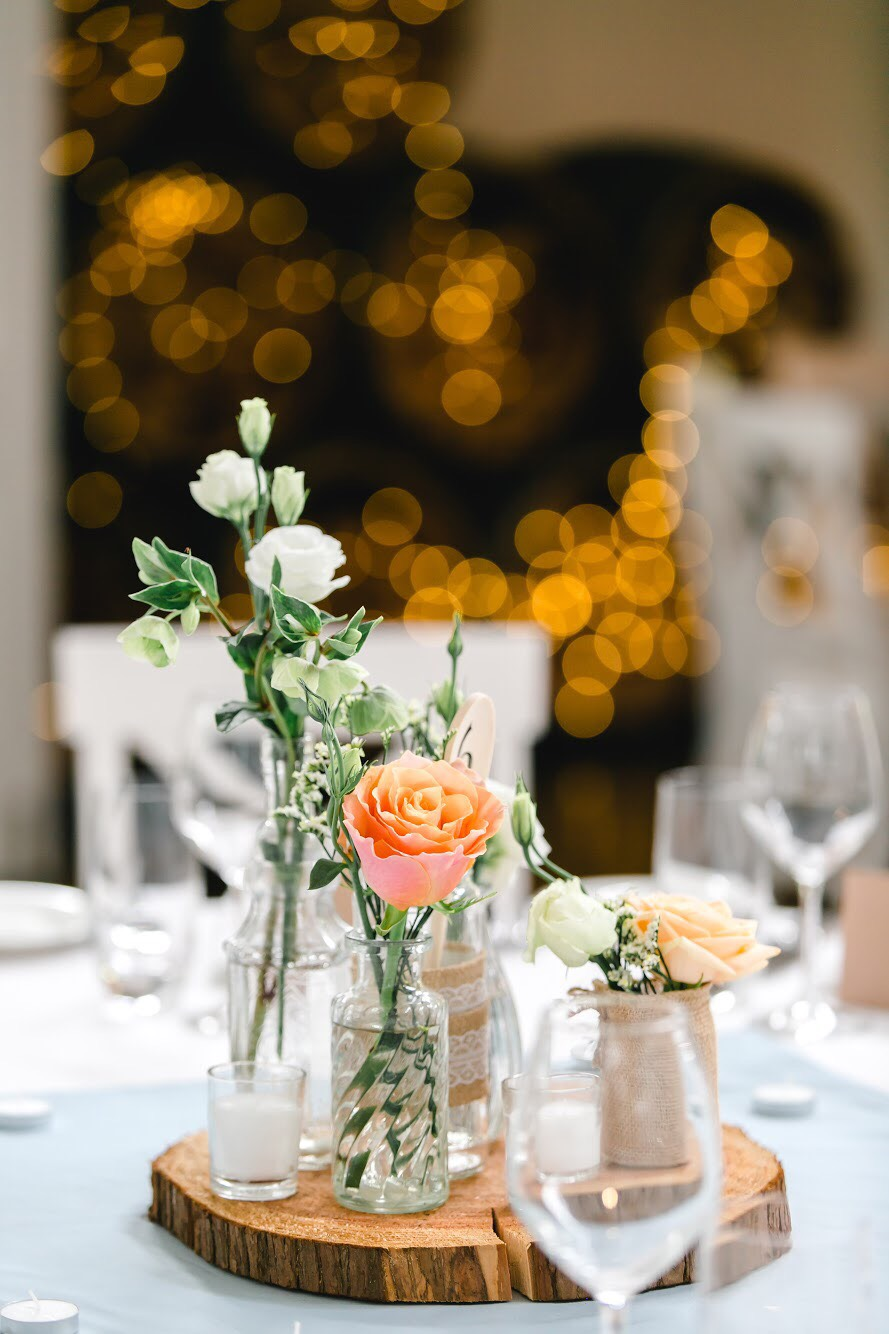 Event florals - Simple florals or intricate centrepieces for your special event. Whether it's a small function or a grand affair, Bloom Art can design flowers to transform any venue.