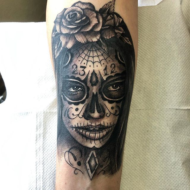 Mexican day of the dead lady done today on David. #dayofthedeadtattoo #sugarskulltattoo #72tattoo #manchester