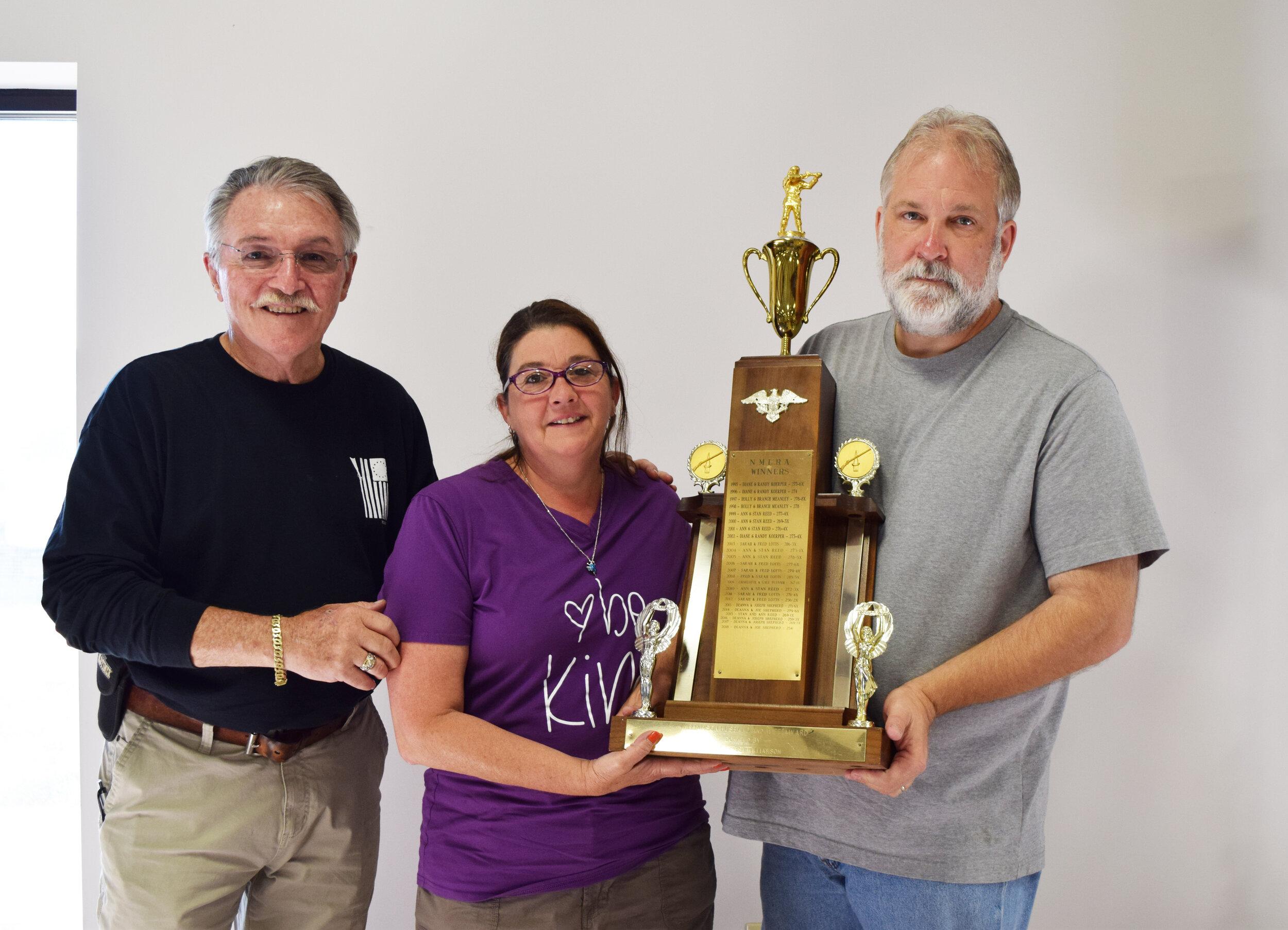 Robert & Deana Shepherd - Aggregate EE - Husband and Wife Championship Winners along with NMLRA President Brent Steele