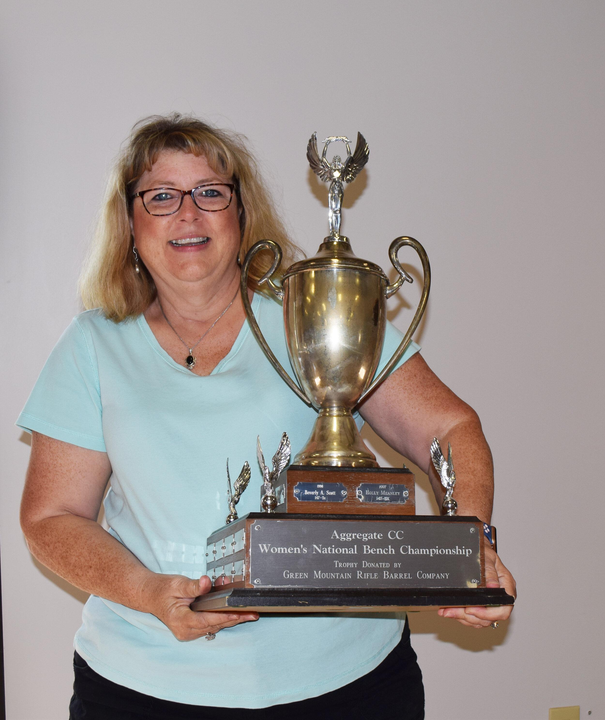 Deb Bolen - Aggregate CC - Women's Bench Championship Winner