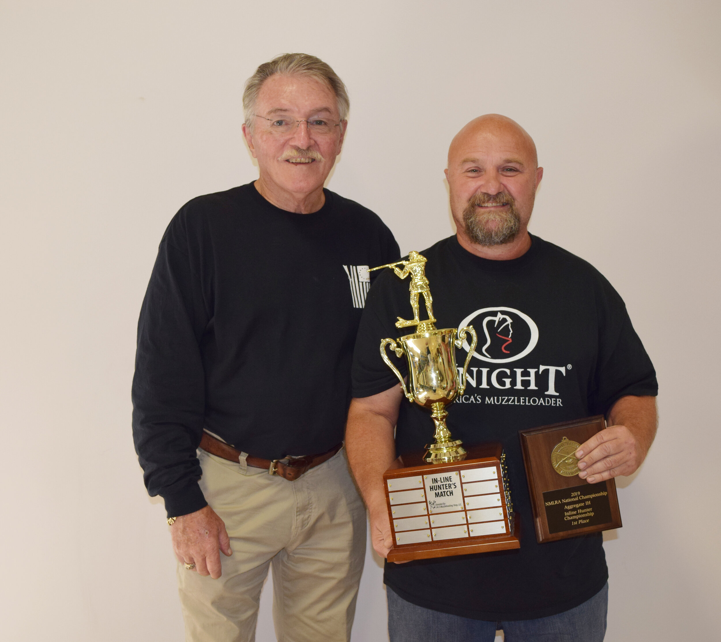 Doug Schwartz - Aggregate IH - Inline Hunter Championship Winner with NMLRA President Brent Steele - Doug also sat a new record for this aggregate