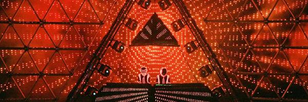 Daft-Punk_Alive_Coachella-festival_2006.png