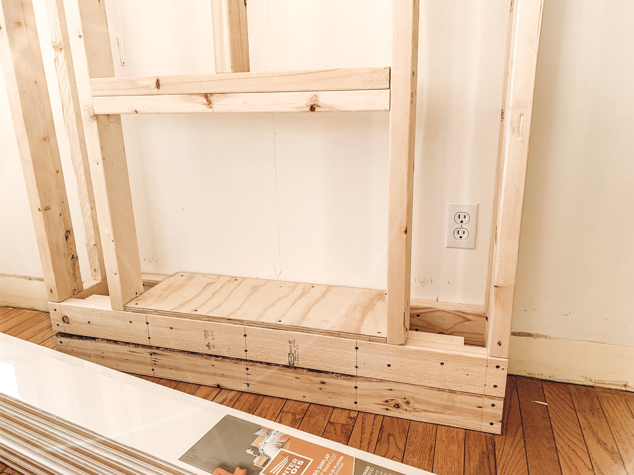 Diy Fireplace Using An Electric Insert Tutorial The Beauty Revival