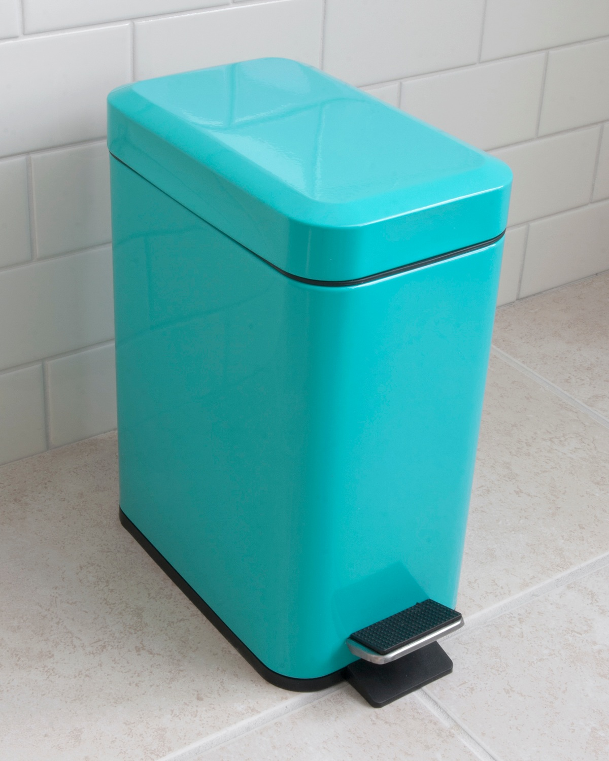 Wastebaskets - Explore our collection of bathroom wastebaskets.