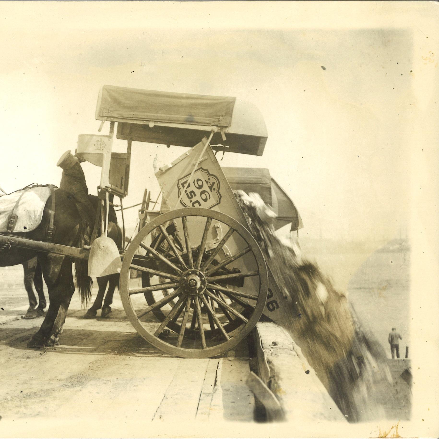 cart+dumping+circa+1910.jpg