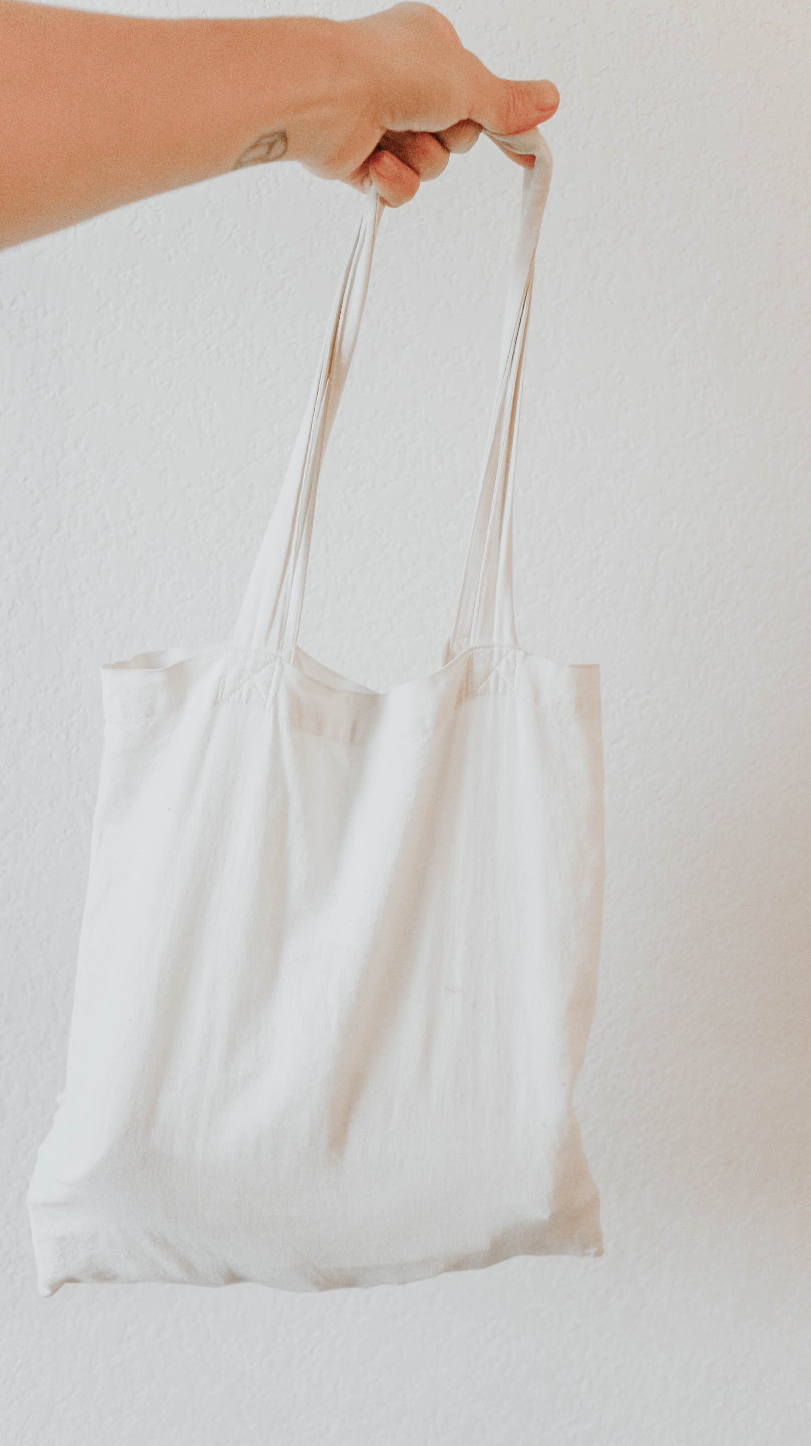 my minimal wardrobe - cotton bag.jpg