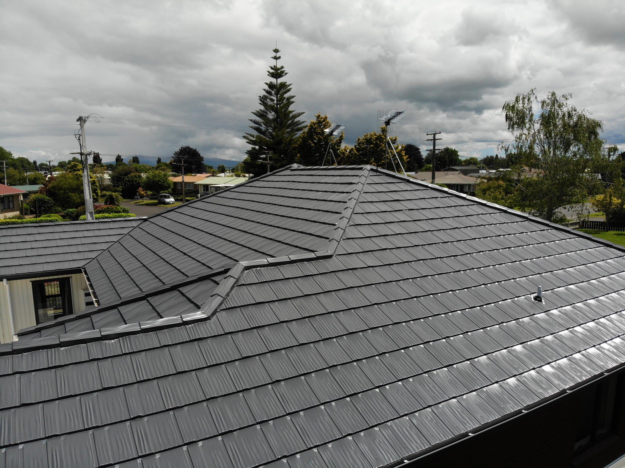 The-Roofing-Store-Steel-Metal-Apex-tile-Woodshake-Grey-Friars-1.jpg.jpg