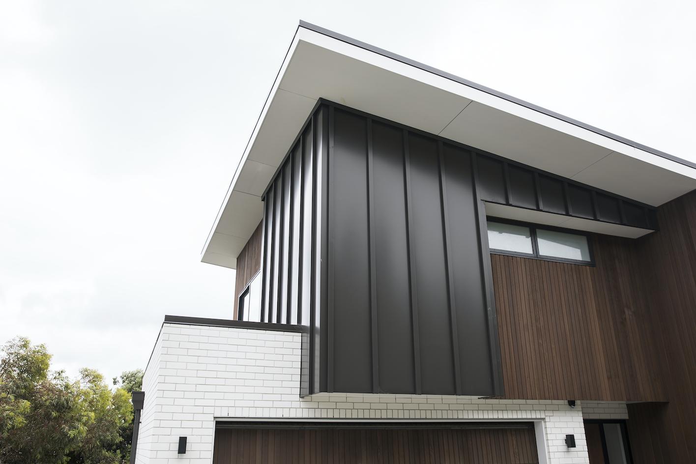 The-Roofing-Store-Steel-Metal-Standing-Seam-Batten-Cap-Virtor+-ZX-Ironsand-6-LR.png
