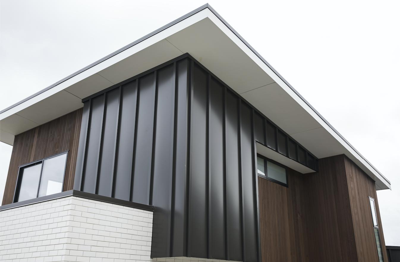 The-Roofing-Store-Steel-Metal-Standing-Seam-Batten-Cap-Virtor+-ZX-Ironsand-8-LR.png