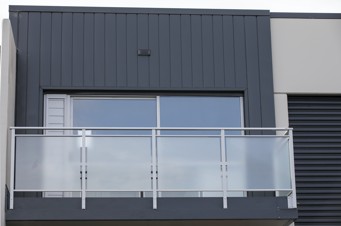 The-Roofing-Store-Steel-Metal-Interlocking-Panel-Windsor-grey-2-LR.png