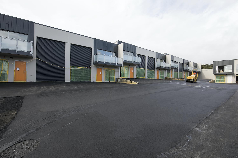 The-Roofing-Store-Steel-Metal-Interlocking-Panel-Windsor-grey-3-LR.png