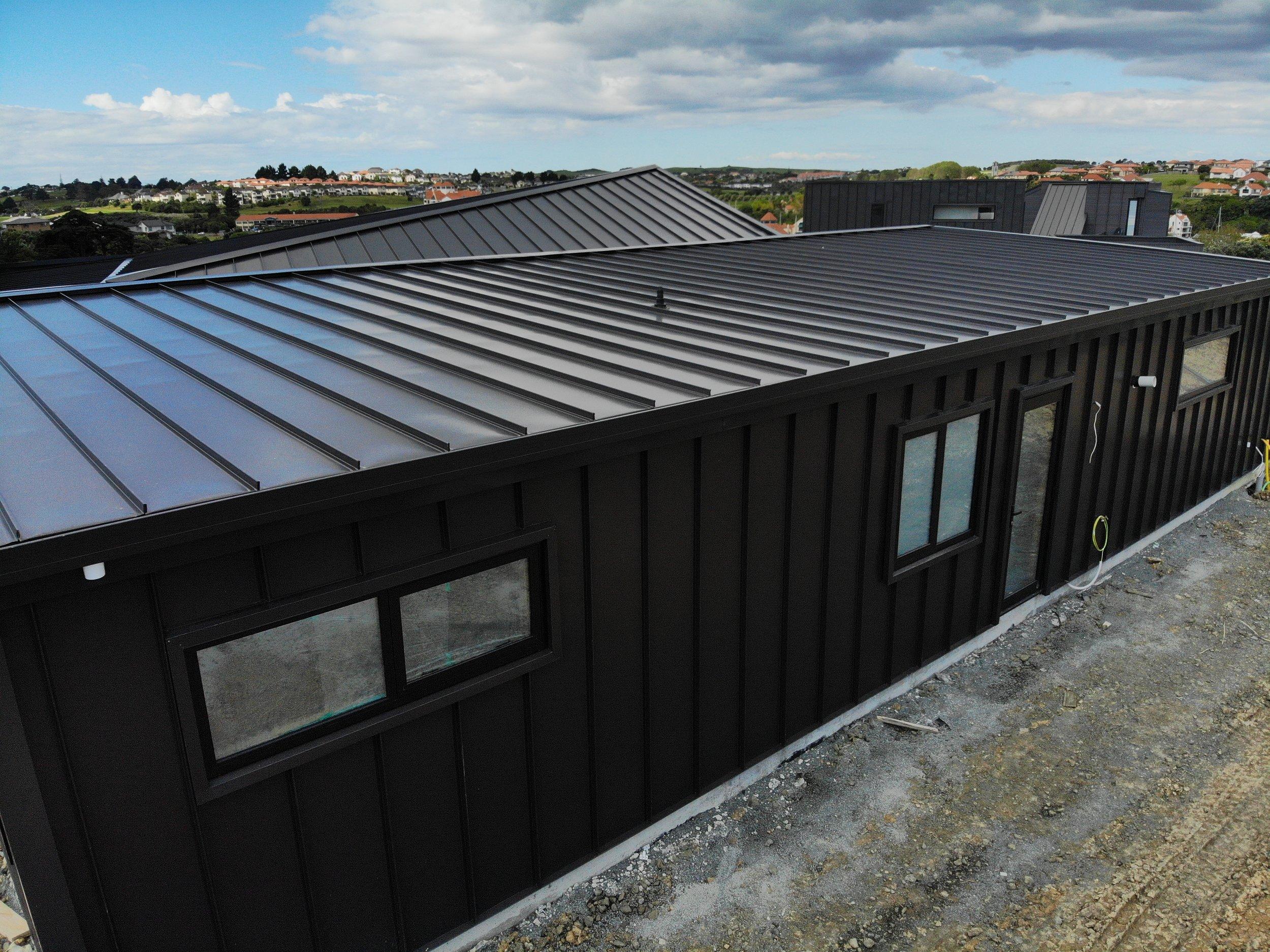 The-Roofing-Store-Steel-Metal-Super-Seam-540-Raven-2.jpg.jpg