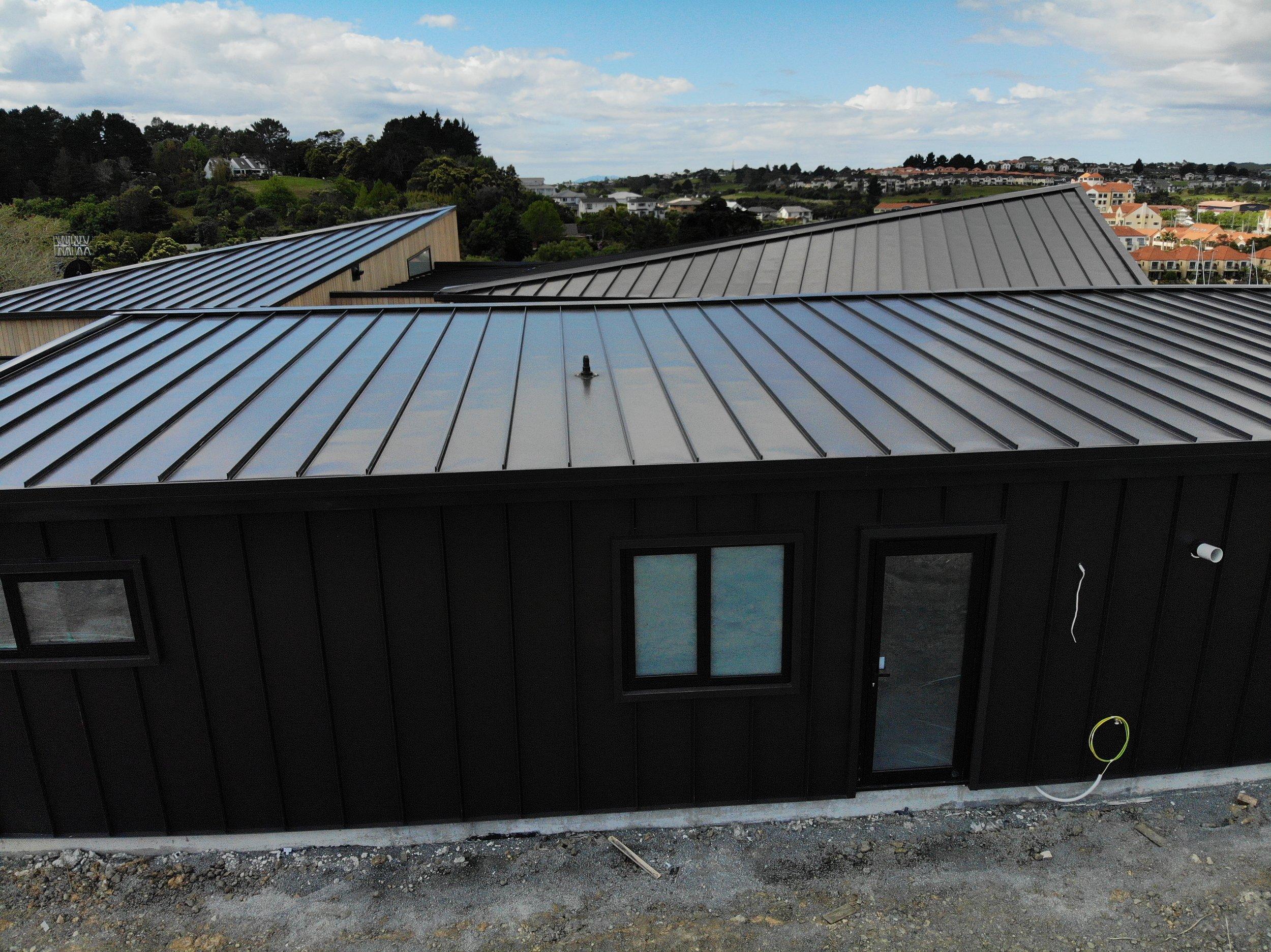 The-Roofing-Store-Steel-Metal-Super-Seam-540-Raven-4.jpg.jpg
