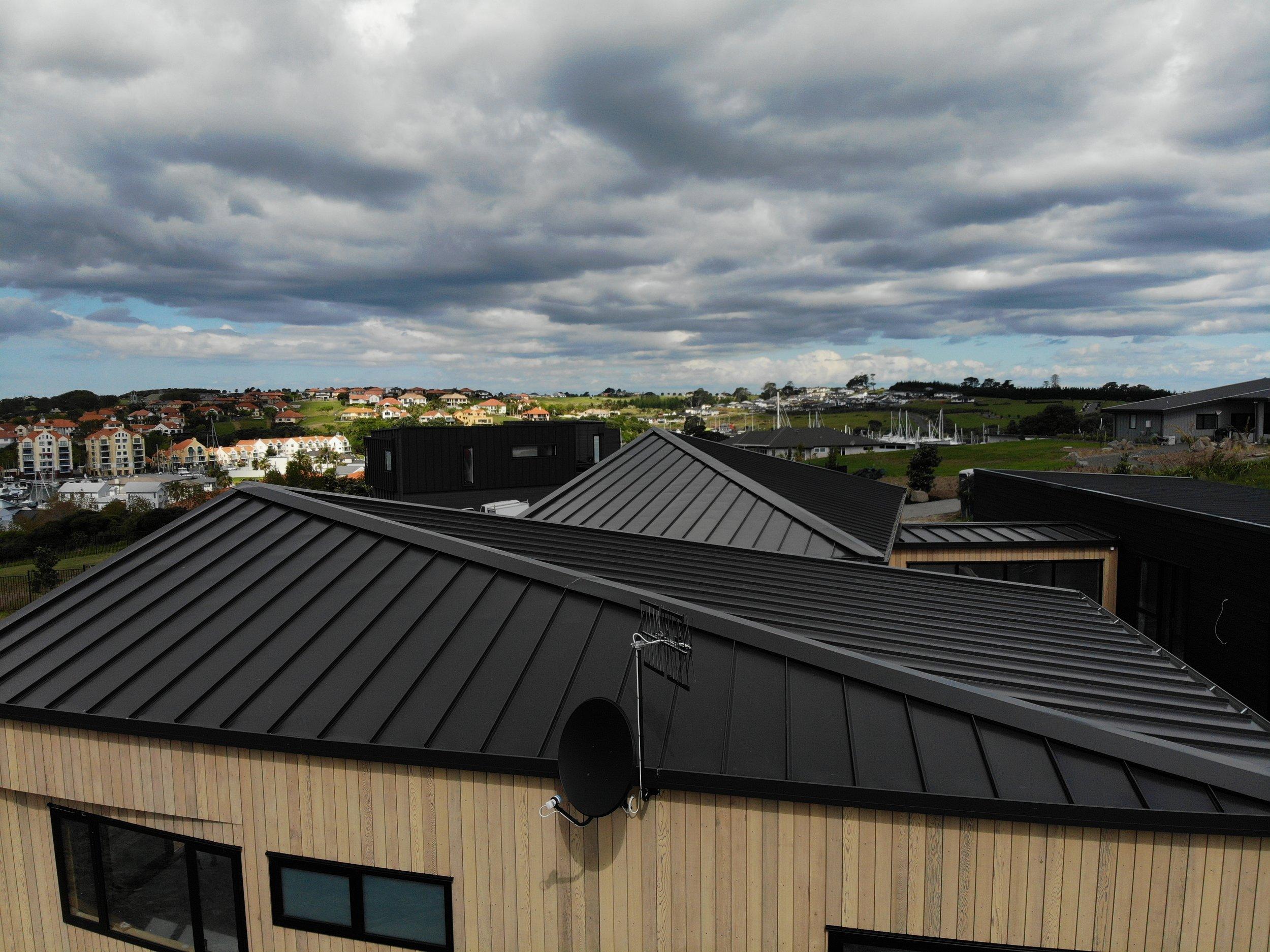The-Roofing-Store-Steel-Metal-Super-Seam-540-Raven-5.jpg.jpg