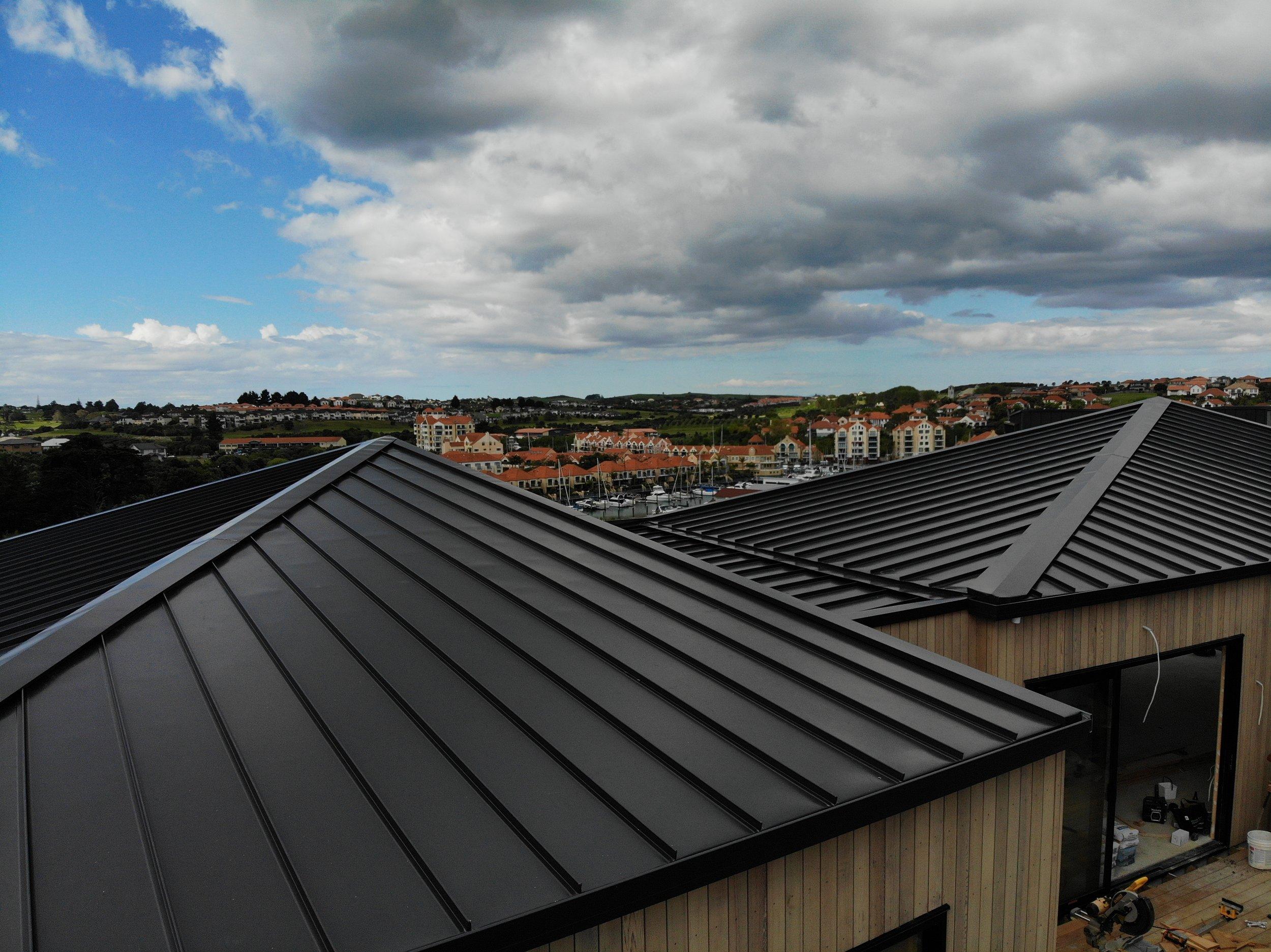 The-Roofing-Store-Steel-Metal-Super-Seam-540-Raven-9.jpg.jpg