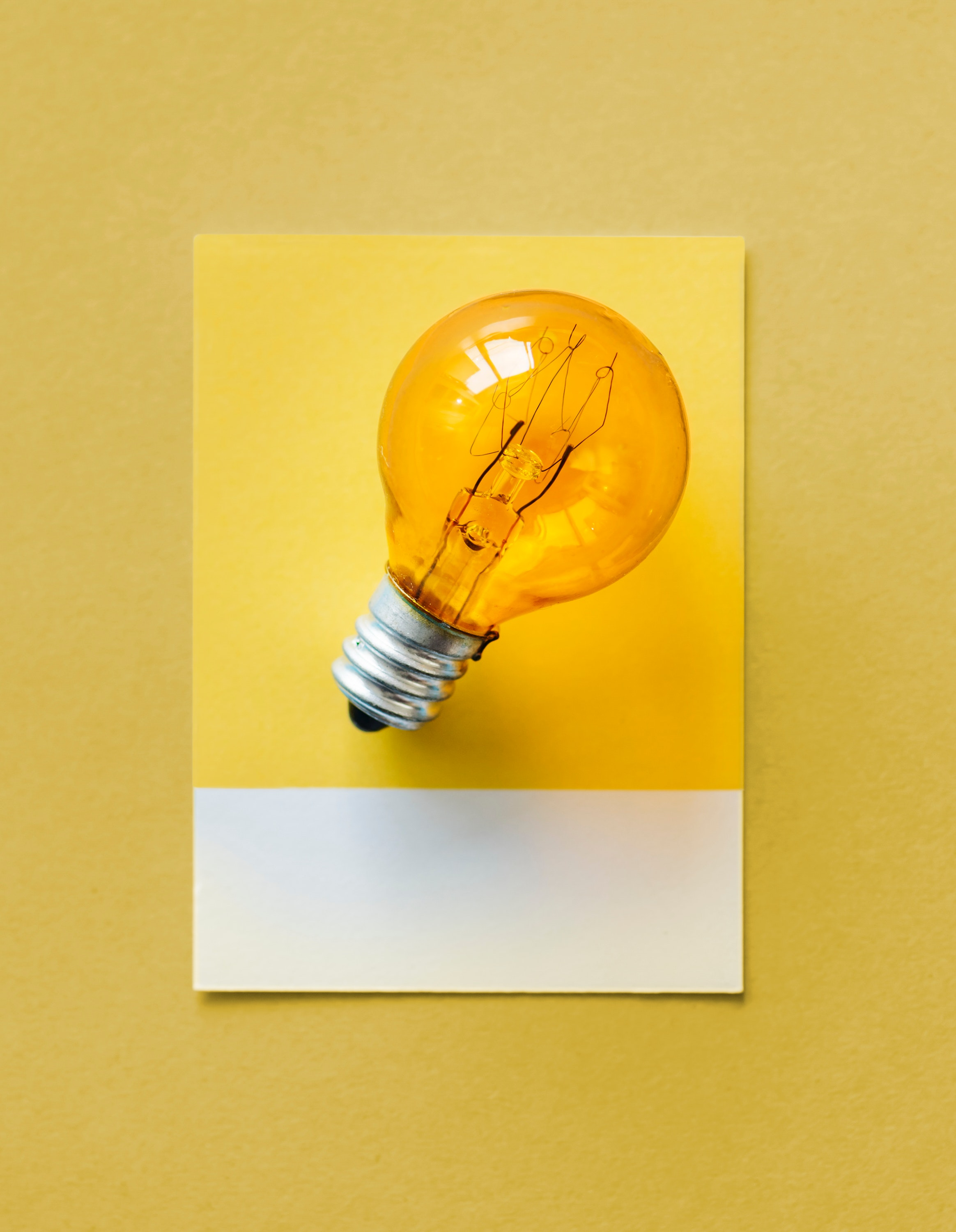 bulb-card-close-up-1083626.jpg