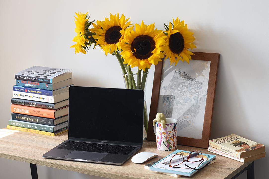 blogging desk.jpg