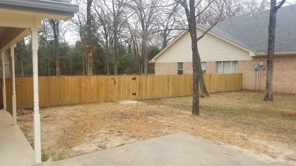 4ft wood fence.jpg