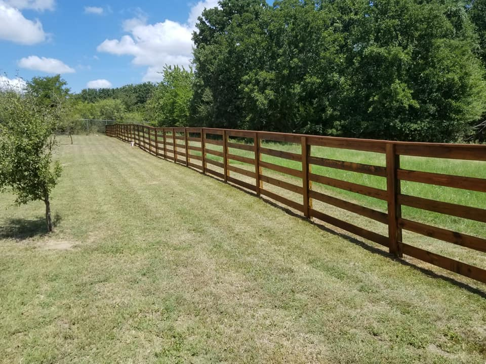 Farm Fencing - We offer a Variety of Farm style fencing IncludingWelded Pipe, No Climb Horse , Barbed Wire, Hog, Wooden Rail , Cattel Panel , Field Fence (multiple styles for field fence), High Fence for big game ranches, and more.Most fences will average 4ft tall but we have built them up to 8ft tall depending on fence intentions.