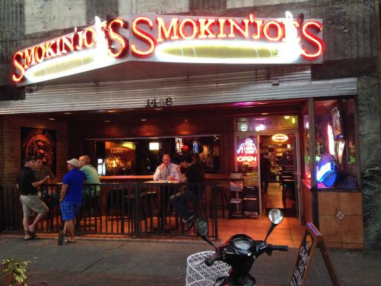 Smokin' Joes Pub - Burns Square Historic Vacation Rentals