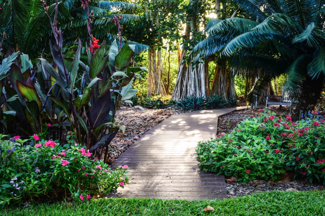Marie Selby Botanical Gardens - Burns Square Historic Vacation Rentals