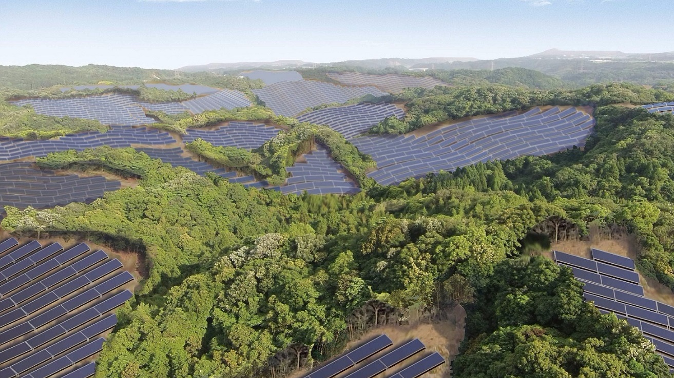 image of solar farm on ex-golf course in Japan