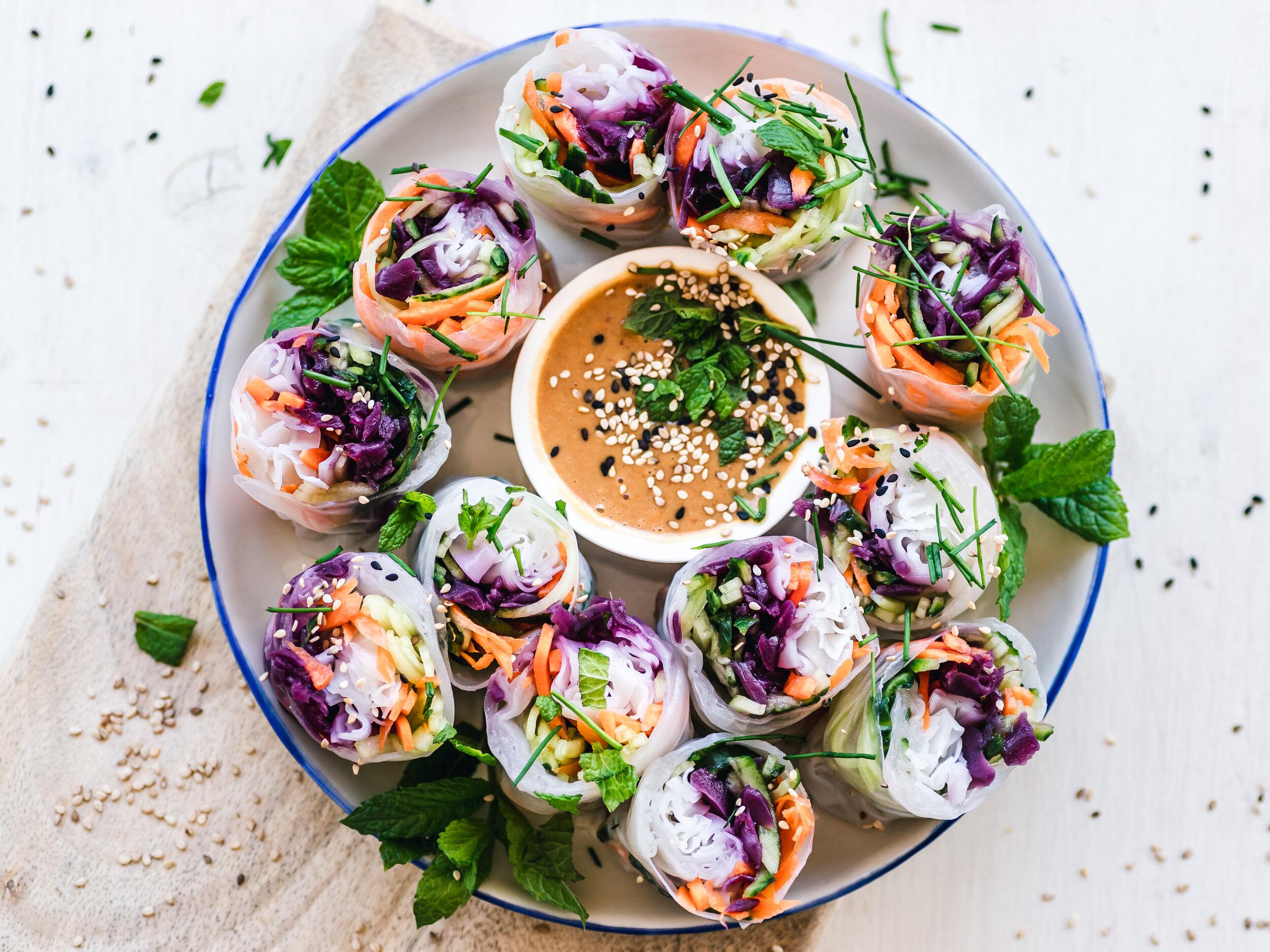 vegan spring rolls with dip