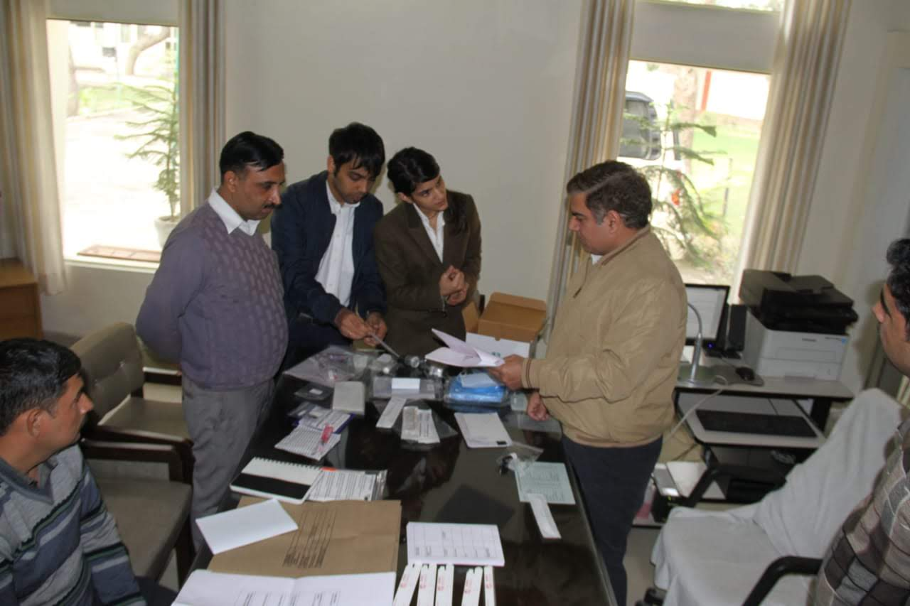 ADIRO Labs. Pvt. Ltd. demonstrated the AASHA DNA Kit to the Hisar Forensic Team, Hisar, Haryana. (2018)