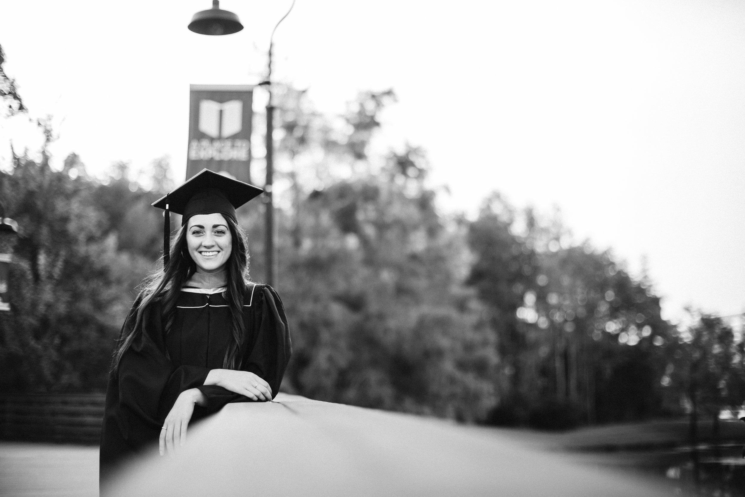 2019.07.30 Mariah UCF Grad Shoot-23.jpg