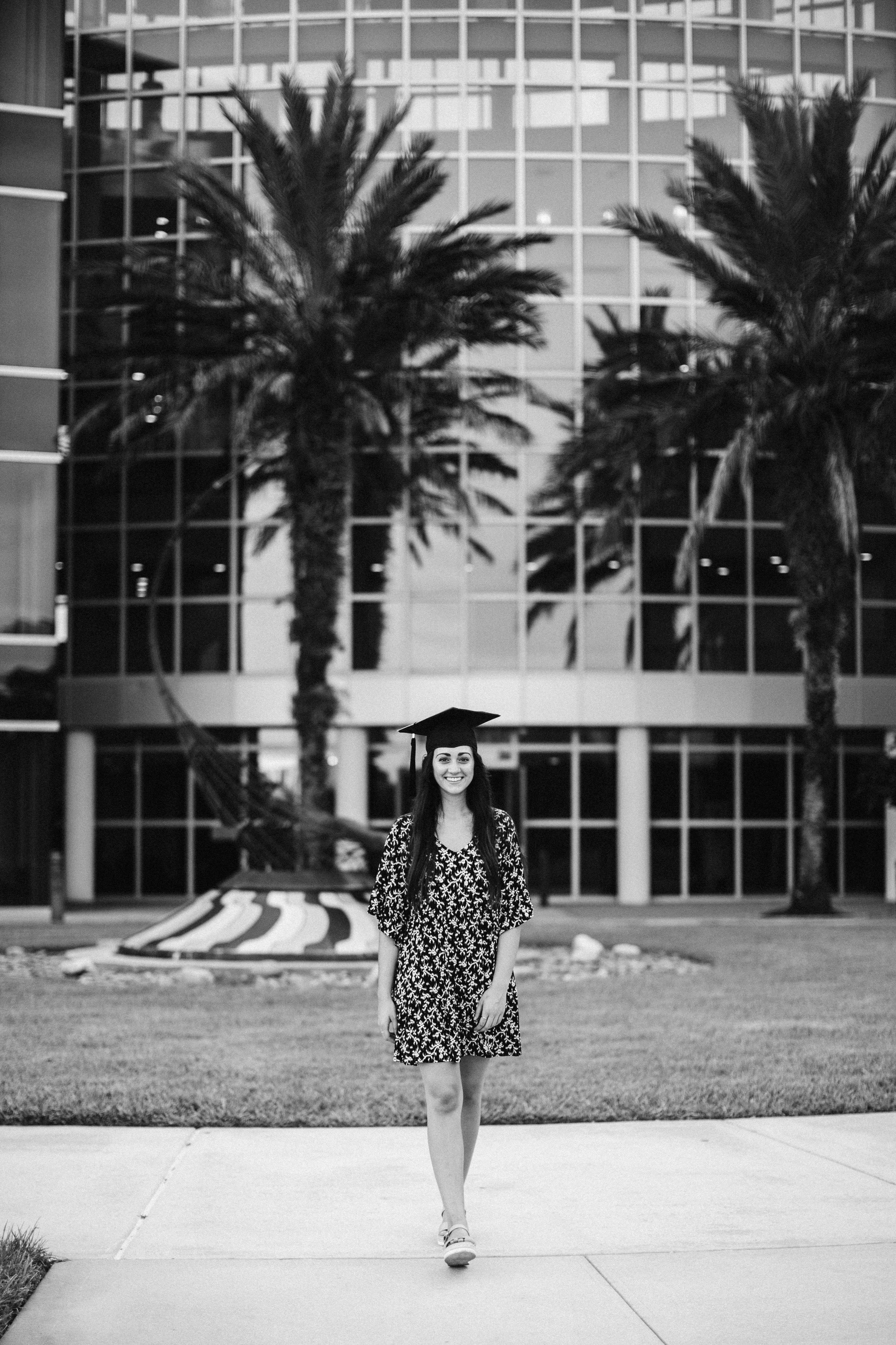 2019.07.30 Mariah UCF Grad Shoot-80.jpg