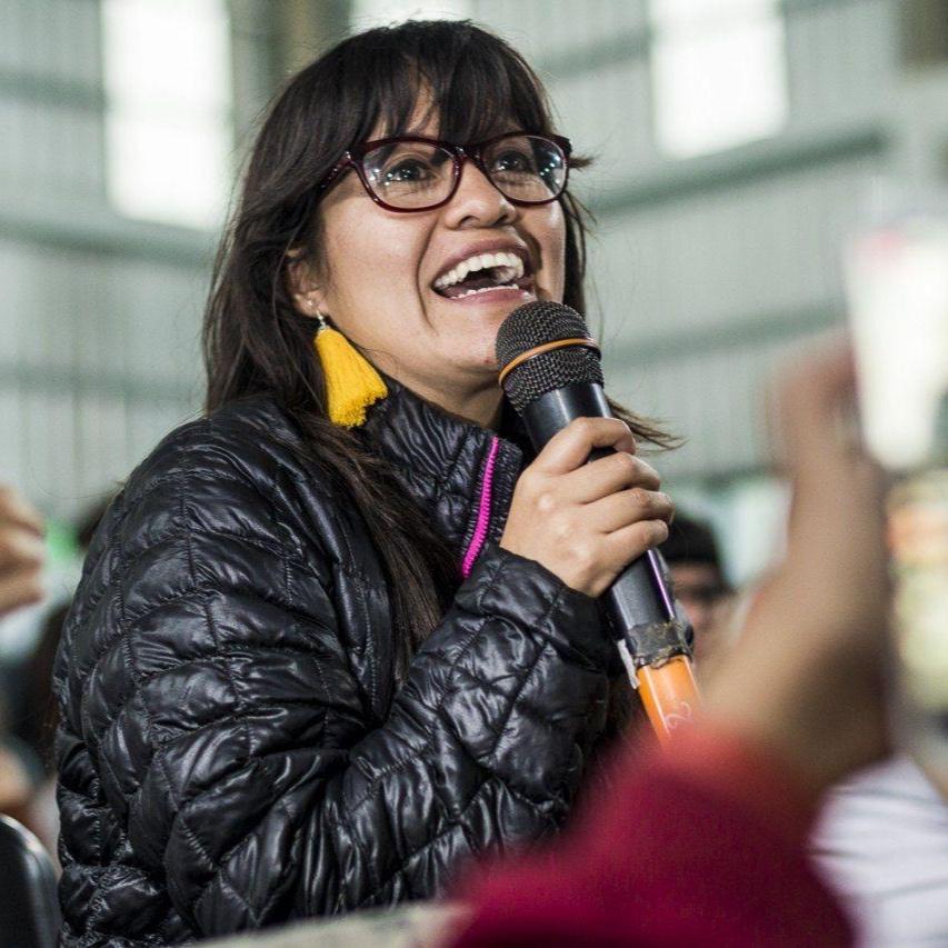 Ana Lucia Ixchiu Hernandez - Femme autochtone maya K'iche, architecte, agente culturelle, journaliste et féministe diversifiée. Née à Totonicapán au Guatemala, Ana Lucia Ixchíu Hernandez est une femme autochtone non conventionnelle, transgresseuse et ennemie du stéréotype culturaliste.Crédit Photo : Cobertura Colaborativa Ella