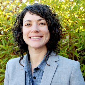 Caesare Assad   Caesare is CEO of Food System 6. She previously launched back-to-back start-up concepts for Whole Foods Market, developed culinary career programs for marginalized populations, and has launched nutrition-based wellness and foodservice concepts around the US for clients that include Clif Bar, Tesla, SpaceX, and LinkedIn.