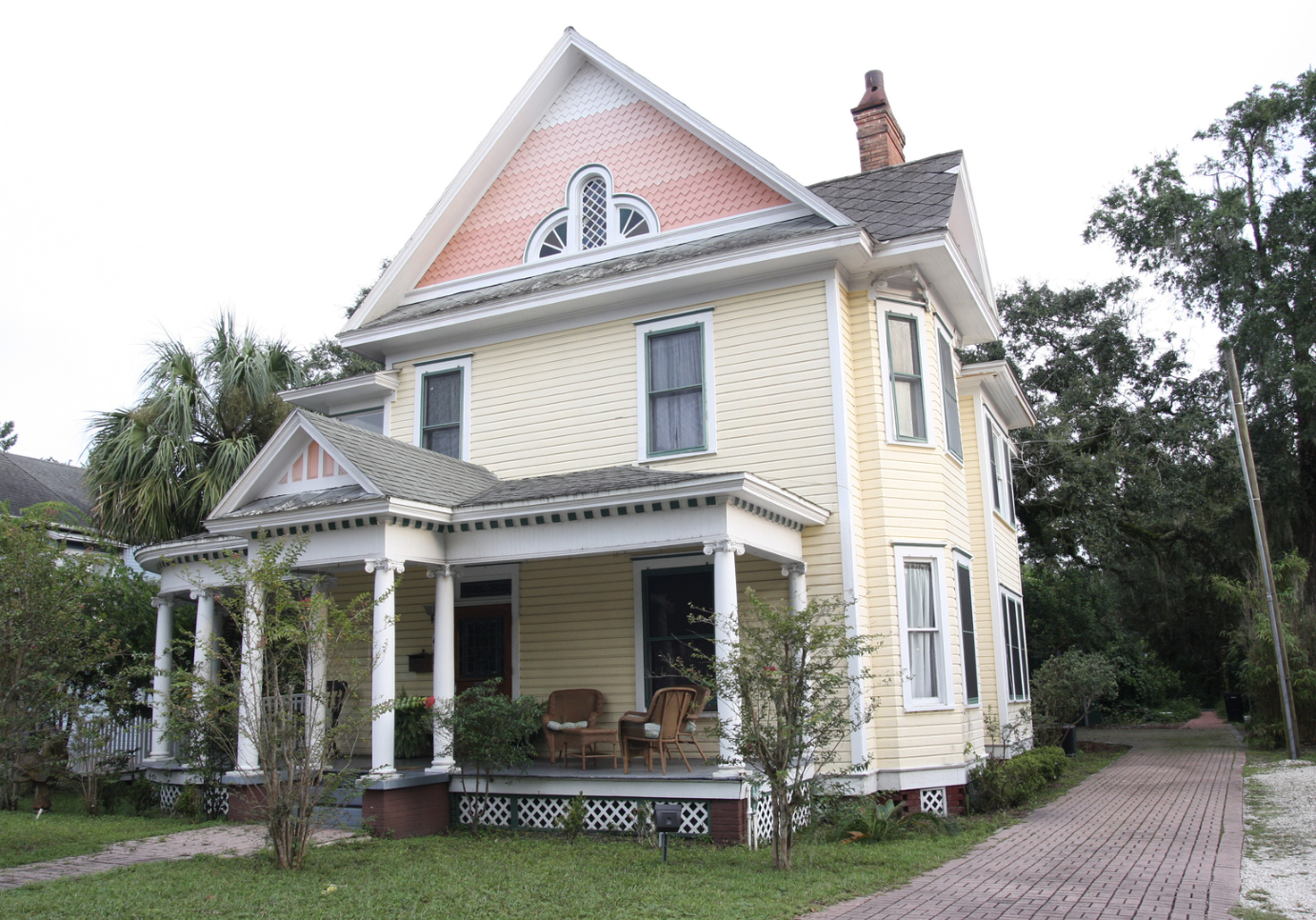 Gentle-Journeys-Midwives-Florida-Birth-Center-house.png
